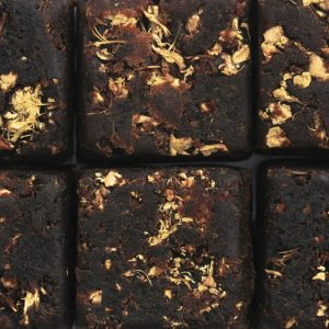 black sugar ginger cube - Absolutea